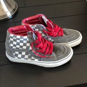 Grey and red checkered high top vans.  Size w6/m4
